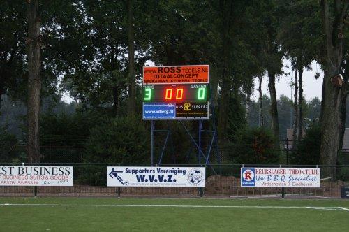 voetbalscorebord in gebruik bij een vereniging